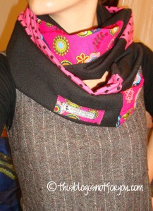 loop scarf pink/black