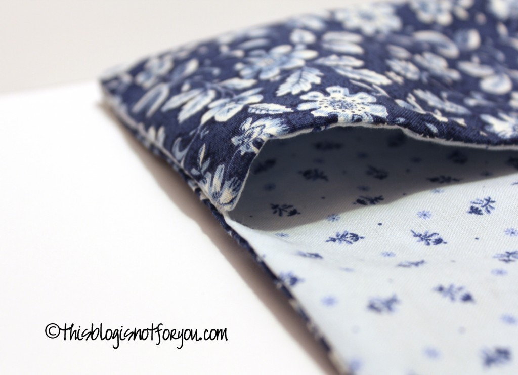 Book Cover Sewing Room : How to sew a book cover that fits more than just one