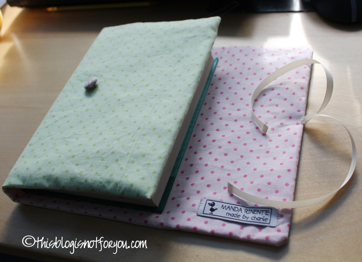 Sewing Fabric Book Cover ~ Book cover tutorial this is not for you