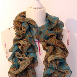 shirred scarf tutorial by thisblogisnotforyou.com