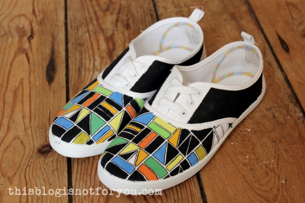 painted shoes by thisblogisnotforyou.com