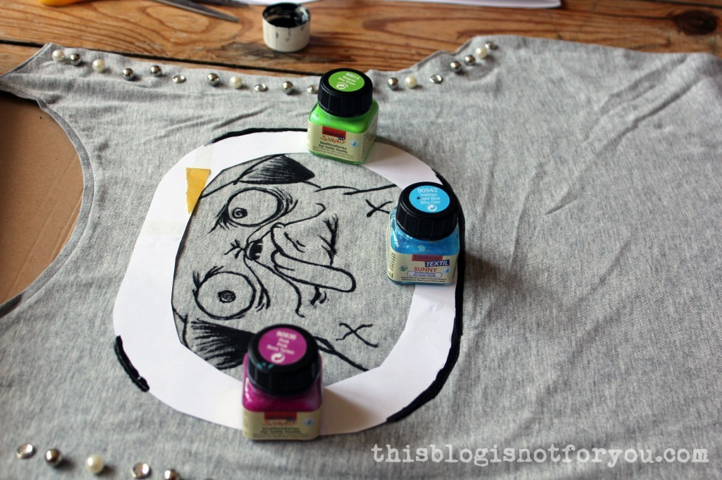 Painted Shirt DIY by thisblogisnotforyou.com