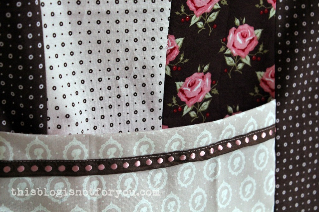 sewing machine cover by thisblogisnotforyou.com