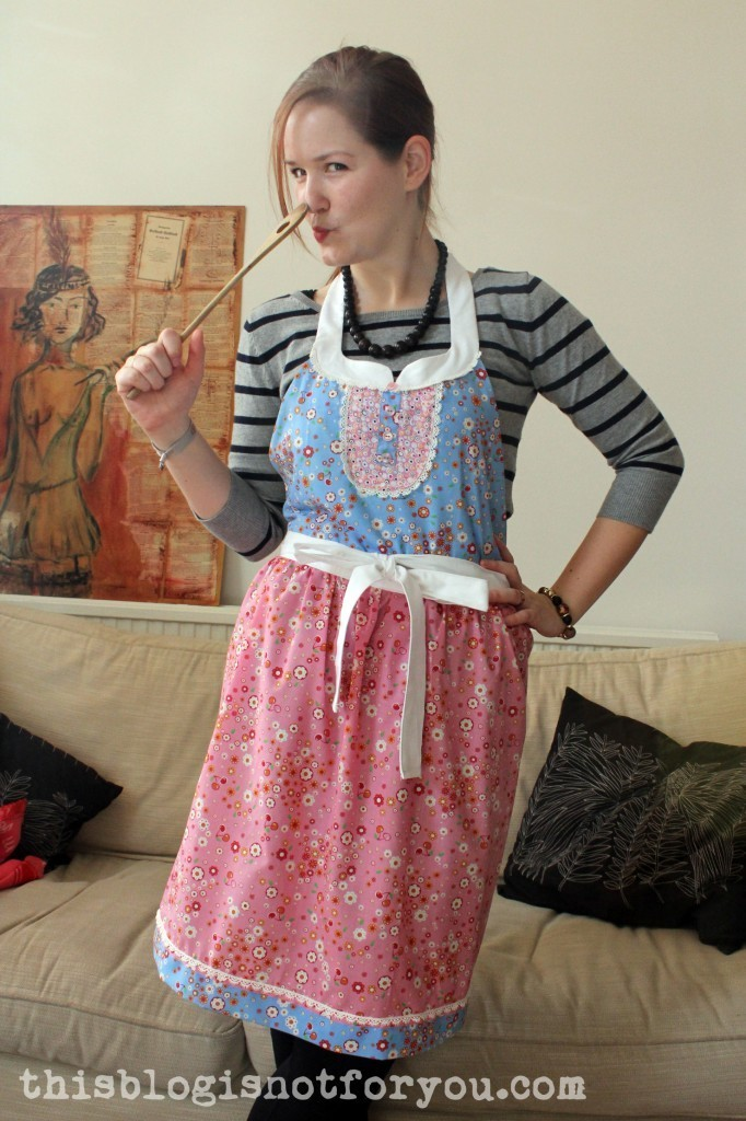 anthro-inspired kitchen apron by thisblogisnotforyou.com