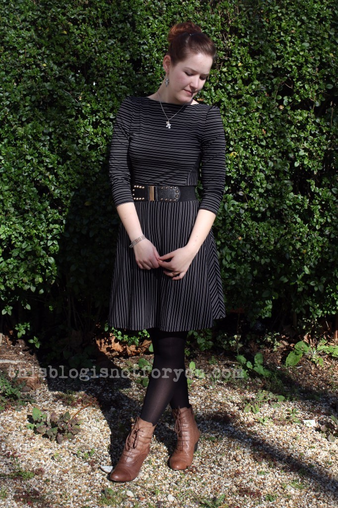 Lady Skater dress by thisblogisnotforyou.com