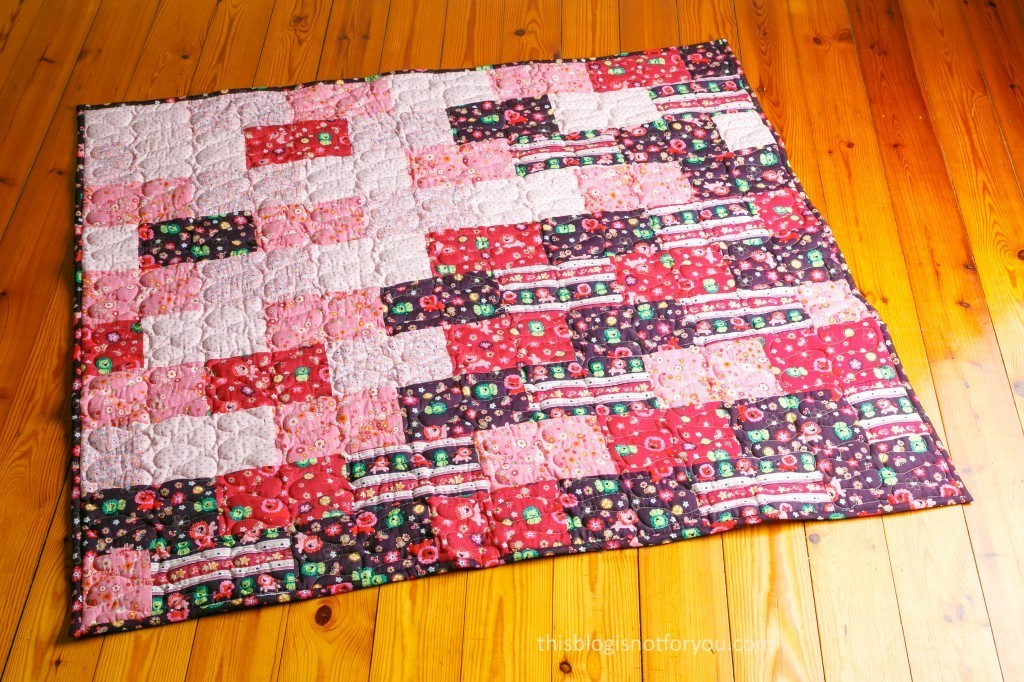 baby quilt by thisblogisnotforyou.com